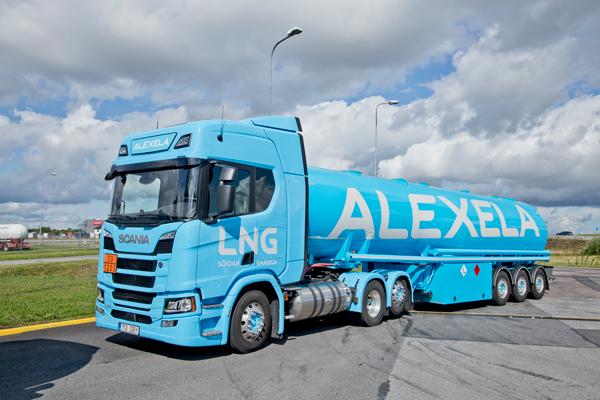Alexela_kütuseauto_1